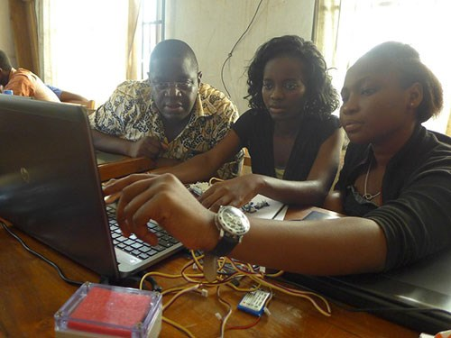 Attendees of an ICTP Workshop on Internet of Things, Benin